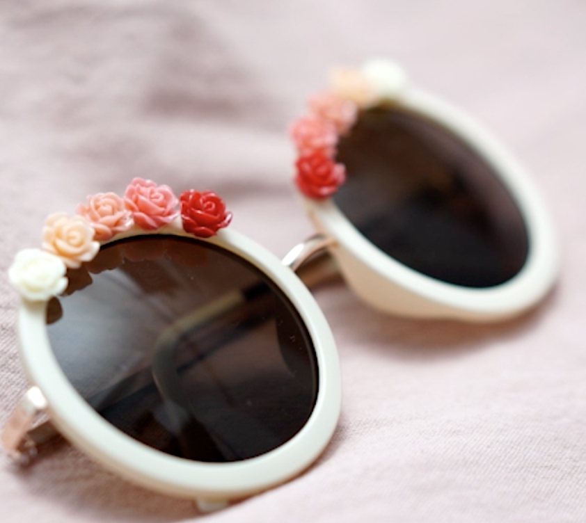 【DIY】フェスにぴったり!手持ちのサングラスを可愛くアレンジ