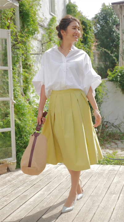 【Elder daughter】ビッグシルエットシャツ×カラースカートでキレイめに