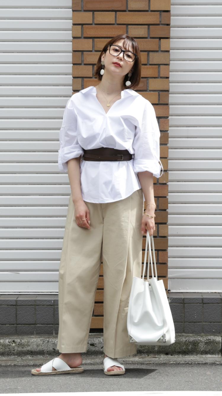 仲村美香さんシャツコーディネート#1