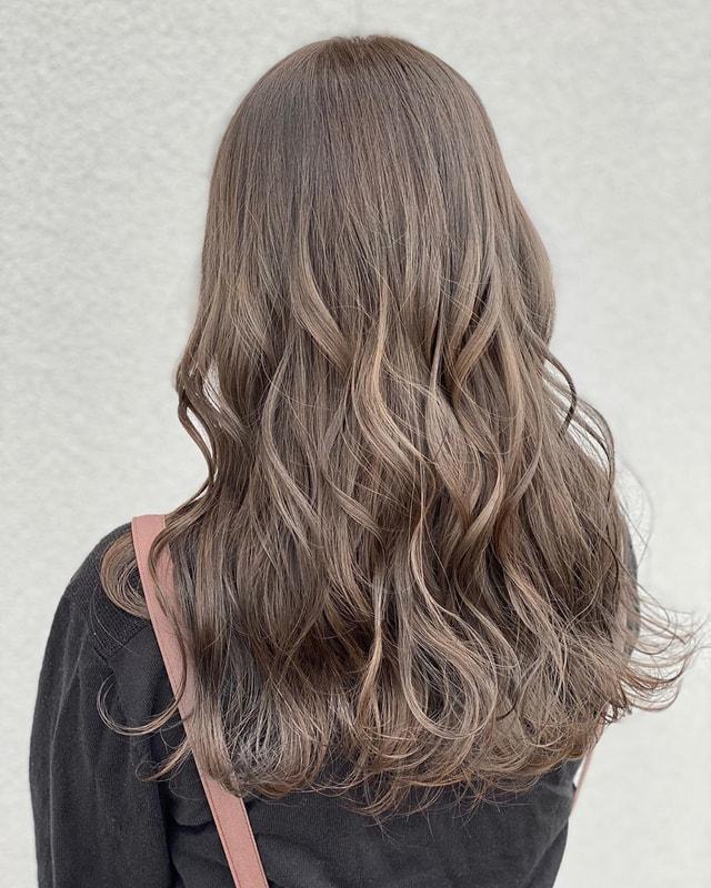 剤 巻き 髪 スタイリング
