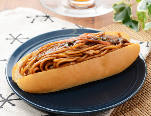 濃い味ソースのジューシー焼きそばパン