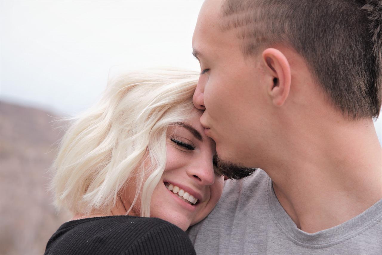 優しいキスの仕方でわかる男性心理