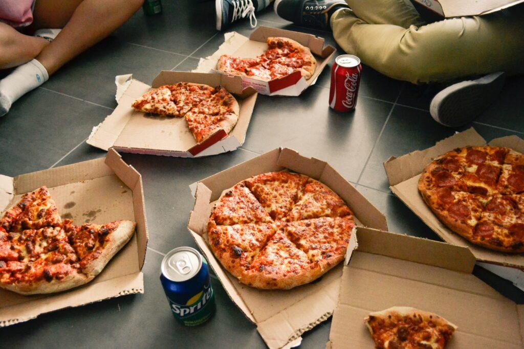 ピザハットのピザとドリンク