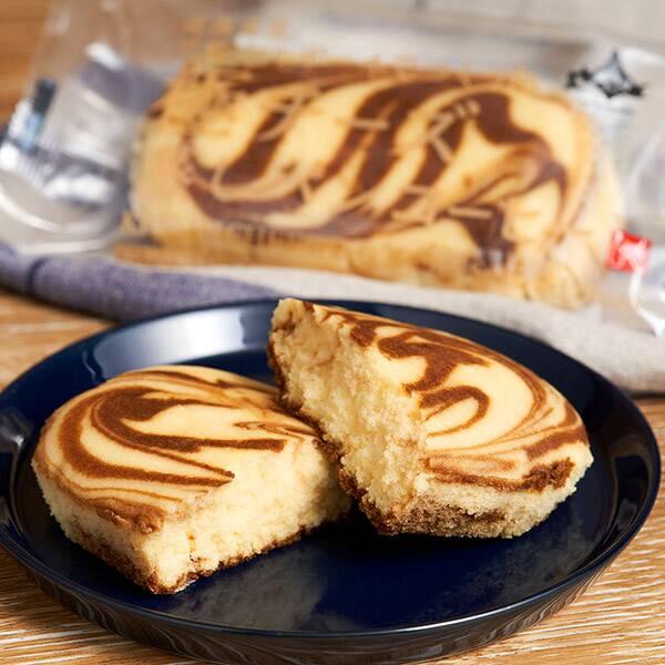 北海道産マスカルポーネでつくった極チーズ蒸しパン コーヒー