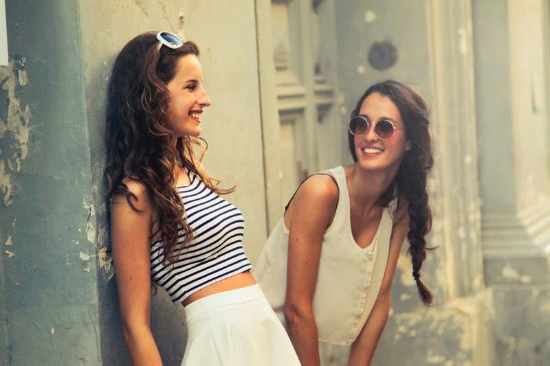 笑顔 が 可愛い 女性