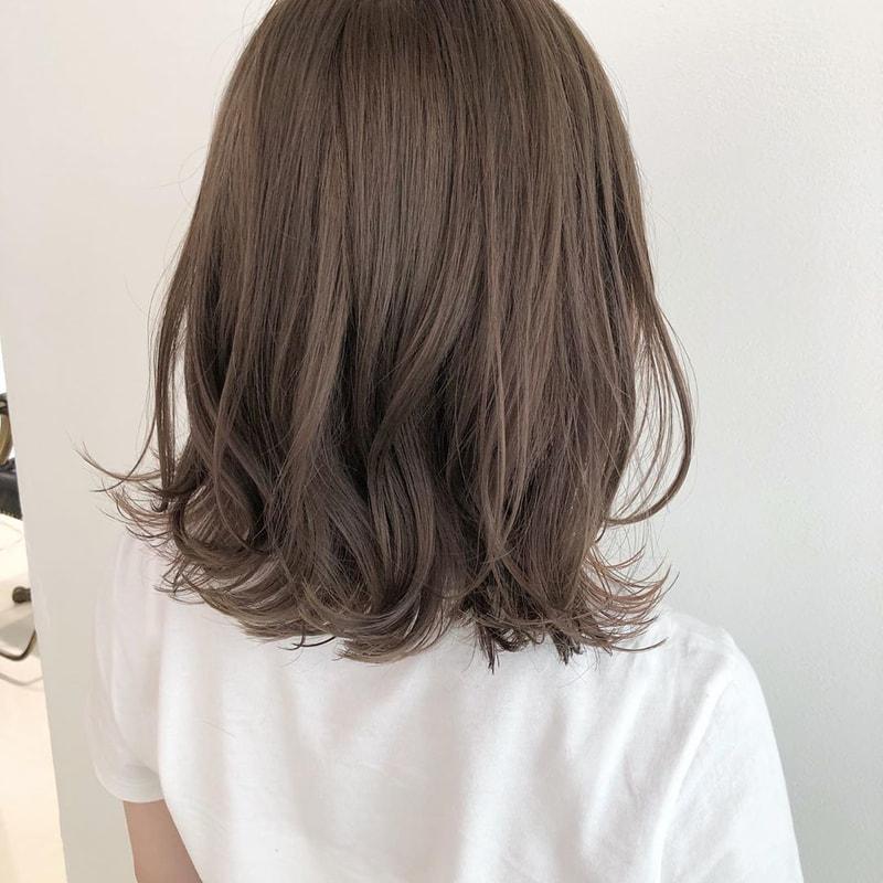 髪 ミディアム 巻き