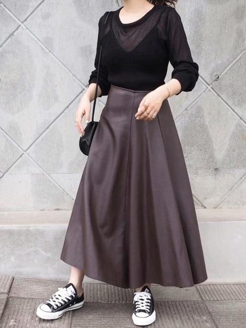 コーデ レザー スカート