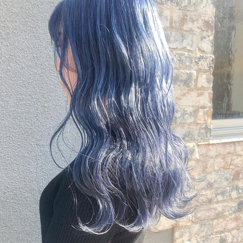 ブリーチ 青 なし カラー ヘア