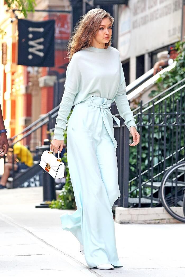ドレスを着用したジジハディッドの写真