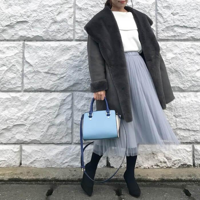ムートンコート×透けスカートのコーデ画像