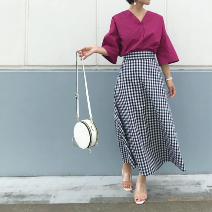 ギンガムチェック柄のスカートを使ったコーデ画像