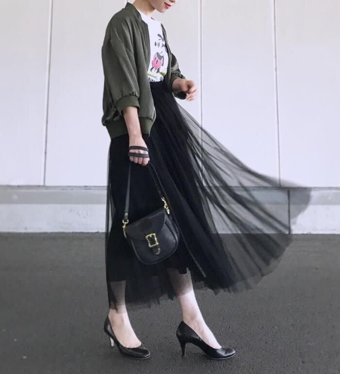 ミリタリージャケット×黒チュールスカート
