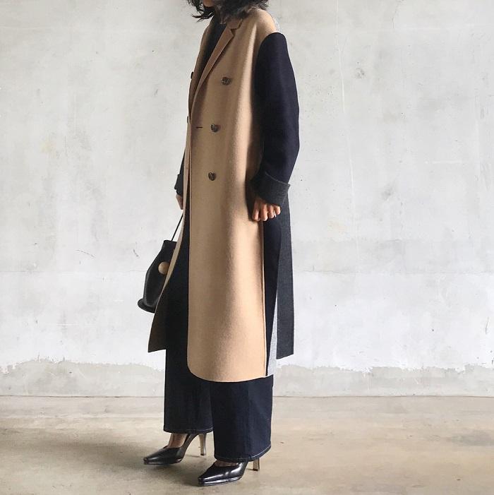 異素材ロングコート×ワイドパンツのコーデ画像