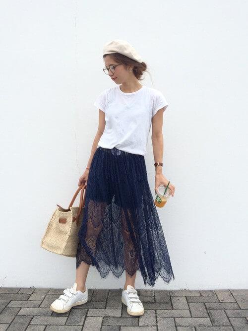 ネイビーレーススカート×ショートパンツのコーデ画像