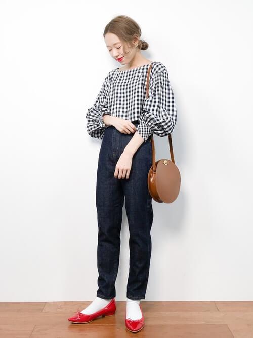 「パリジェンヌ ファッション」ワードローブ ギンガムチェックトップスの画像