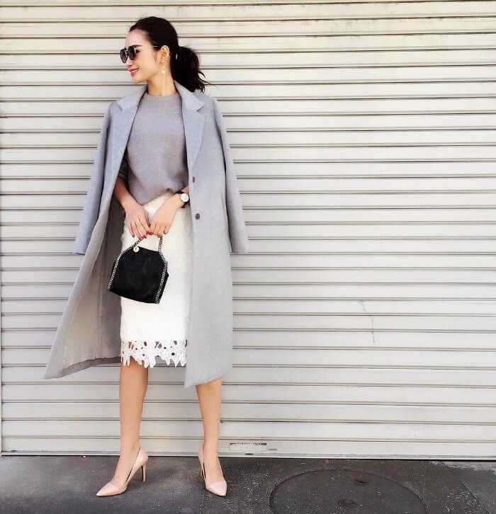 白レースタイトスカート×ロング丈チェスターコートのコーデ画像