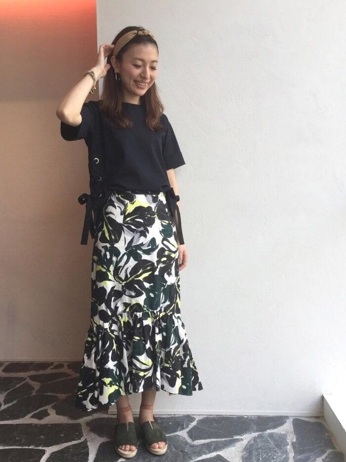 マーメイドスカートのコーデ写真