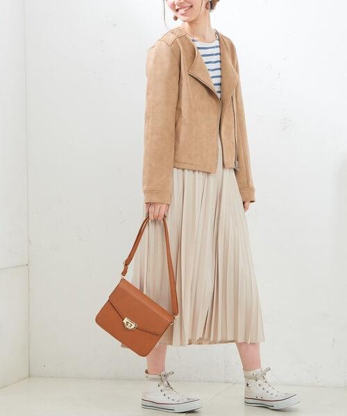 スエードライダースジャケット×ベージュピンクプリーツスカート