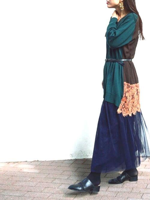 ランダムカラーのチュールスカートのコーデ画像