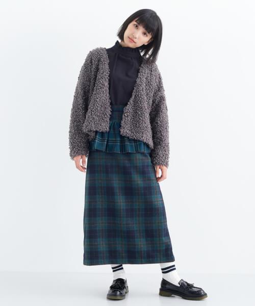 緑チェック×ペプラムデザインスカートのコーデ画像