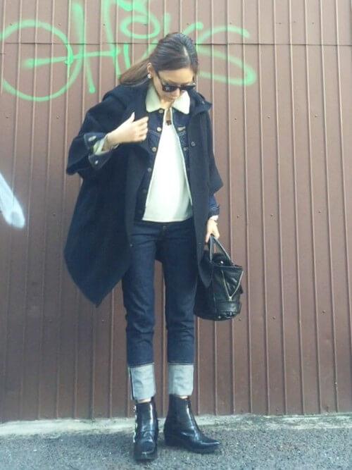 オーバーサイズジャケット×スキニーデニム×ブーツのコーデ画像