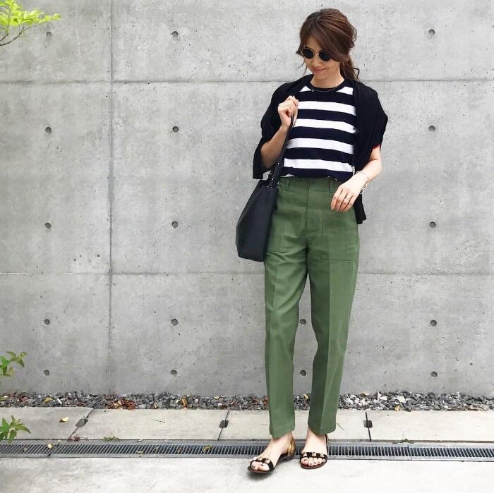 ボーダーTシャツ×センタープレスパンツのコーデ画像