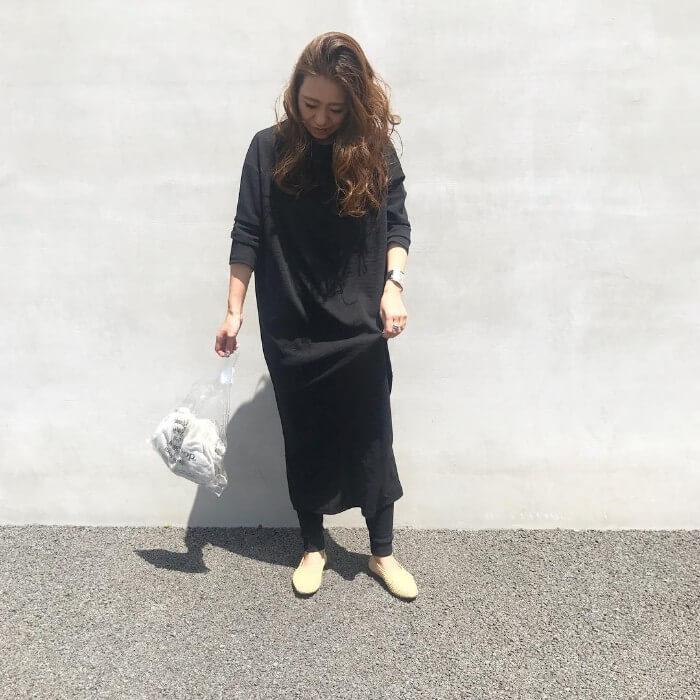 ロング・マキシ丈×黒ワンピースのコーデ画像