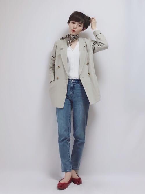 「パリジェンヌ ファッション」ワードローブのスカーフの画像