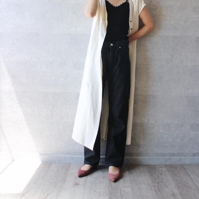 黒ジーンズの着やせ効果の画像