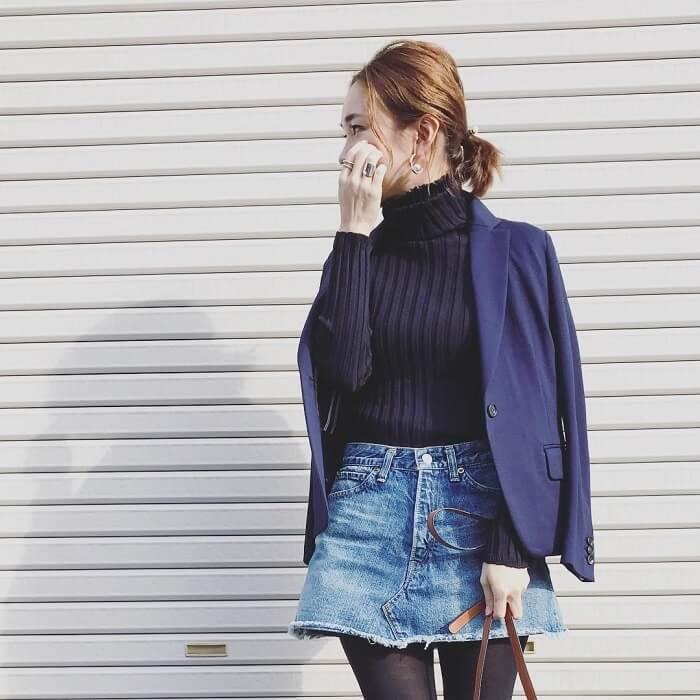 ミニ丈デニムスカート×マニッシュジャケットのコーデ画像