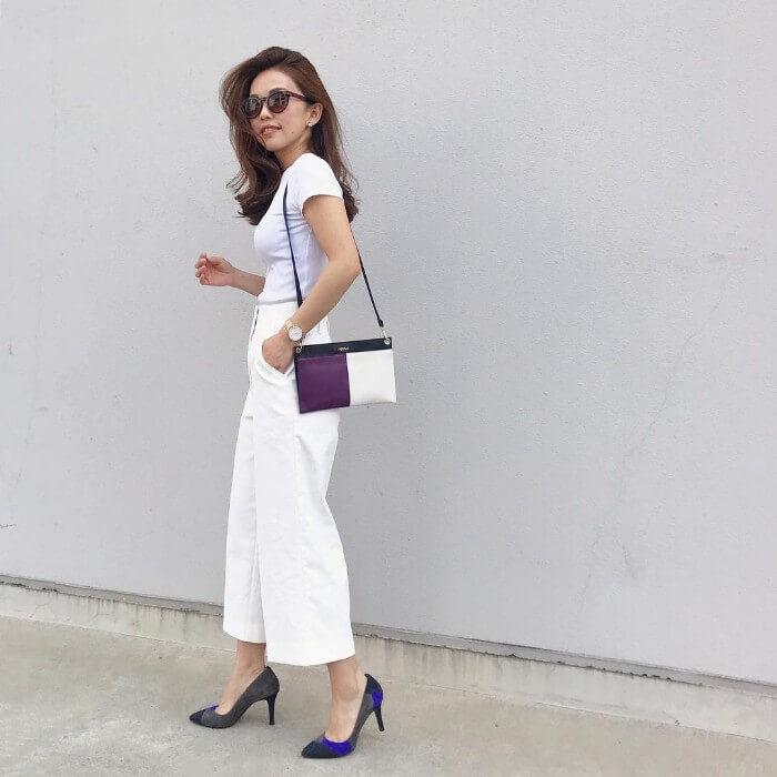 白Tシャツのホワイトコーデのコーデ画像