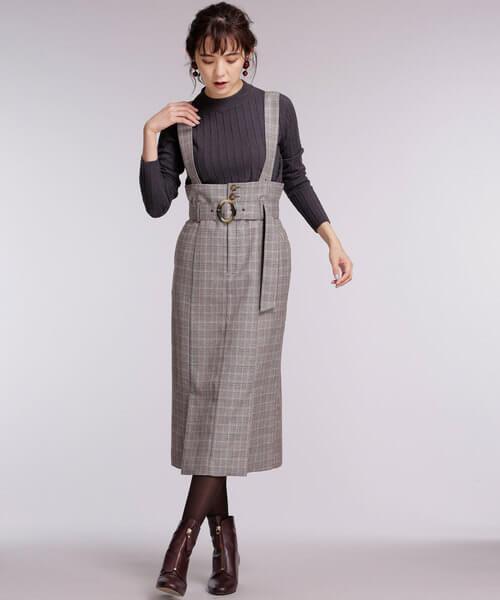 グレーリブニット×ハイウェストタイトスカートのコーデ画像