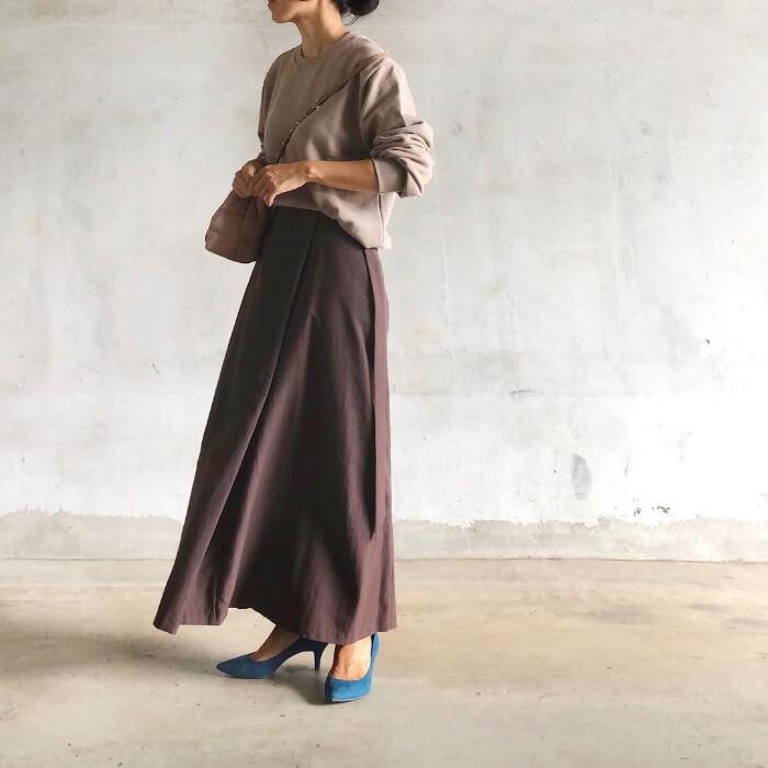 ブラウントップス×ブラウンボックススカートのコーデ画像