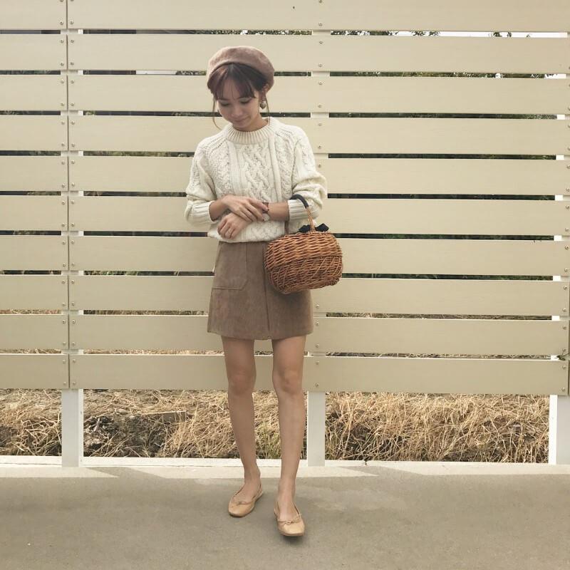 スカートは60年代に引き続きミニ丈が人気のイメージ画像