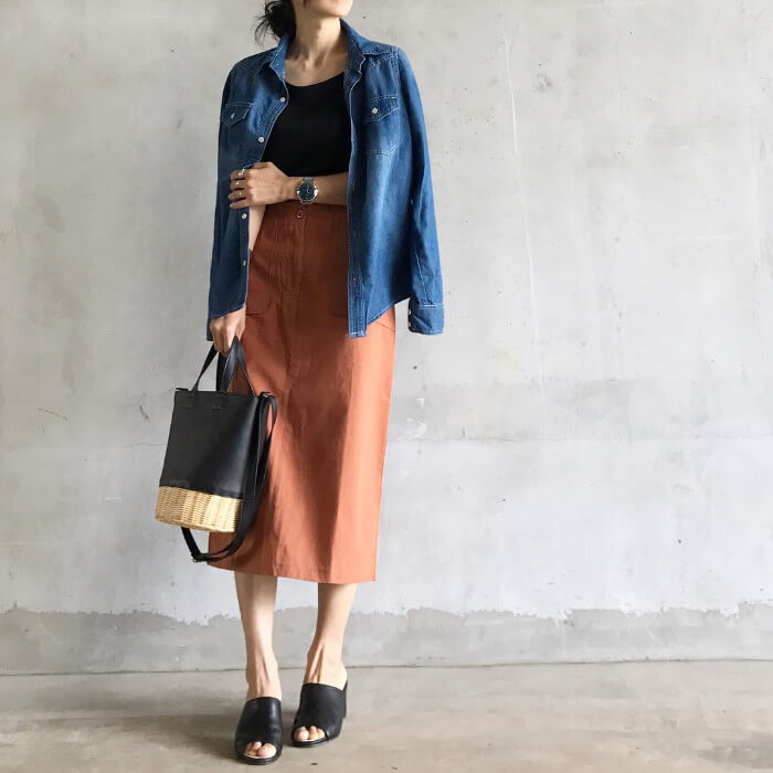 ロングスカート×デニムGジャン(シャツ)のコーデ画像