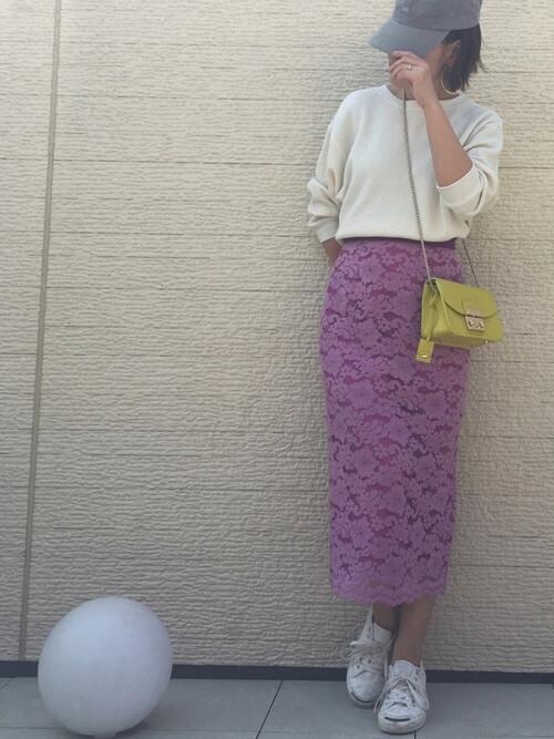 パープルピンクのレースタイトスカート×MIXコーデの画像