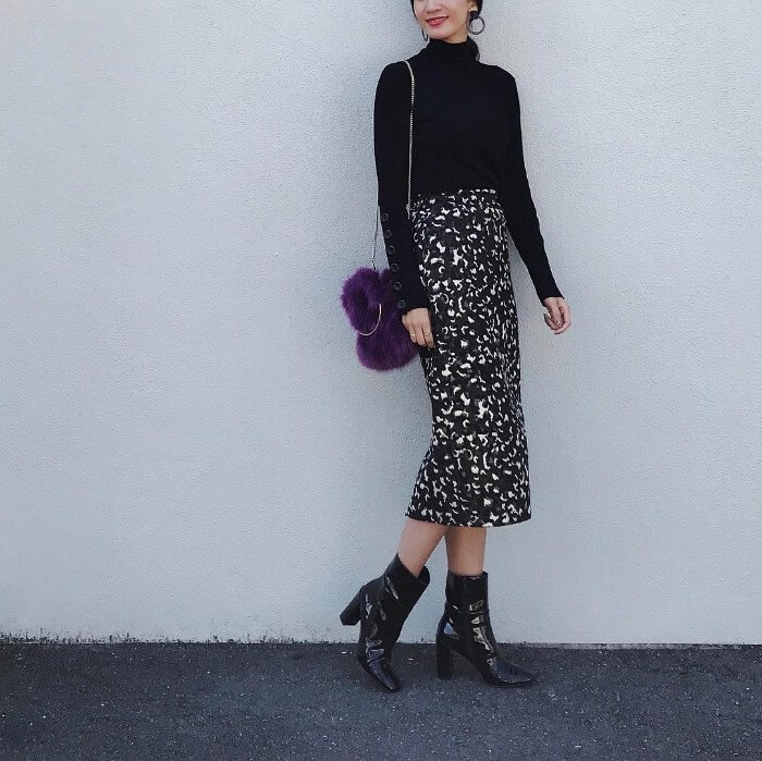 リブニット×タイトスカートのコーデ画像