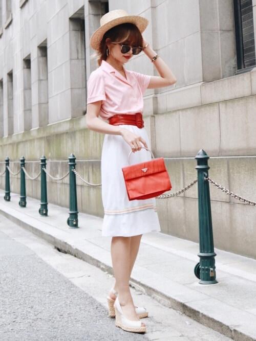 フェミニンなスカートスタイルのコーデ画像