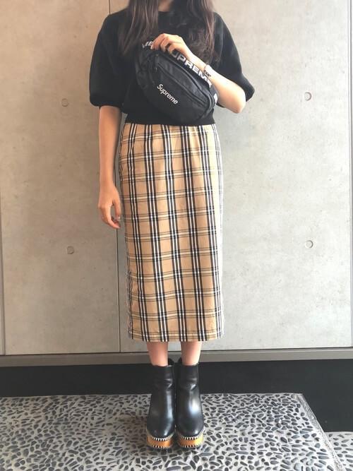 タータンチェックタイトスカートのコーデ画像