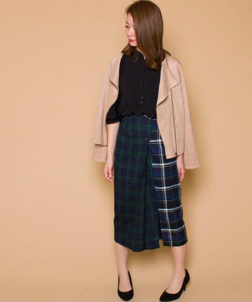 緑チェック×切り替えデザインスカートのコーデ画像