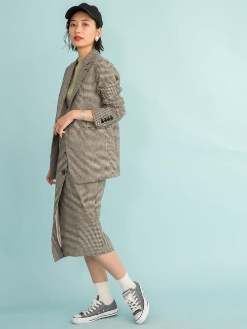 ガンクラブチェックジャケット×スカートのセットアップのコーデ画像