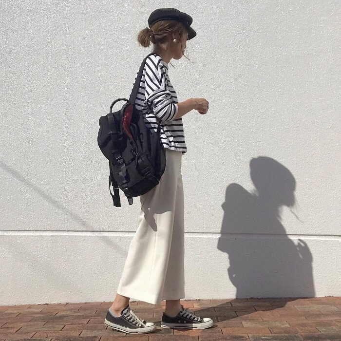 ボーダーロングTシャツ×白ロングスカートのコーデ画像