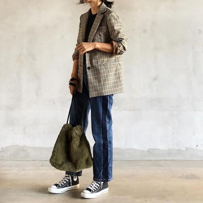 グレンチェックジャケット×デニムパンツのコーデ画像
