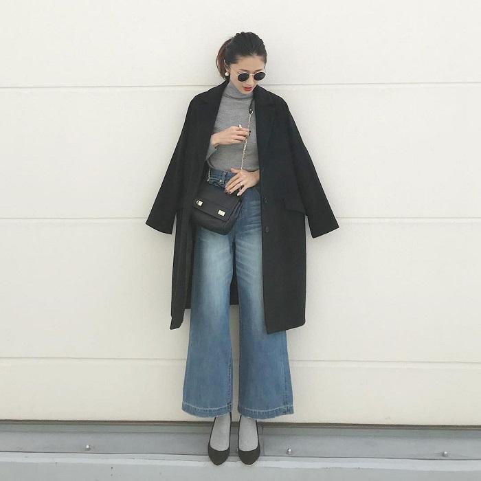 「ワイドデニムパンツ×靴下」のコーデ写真