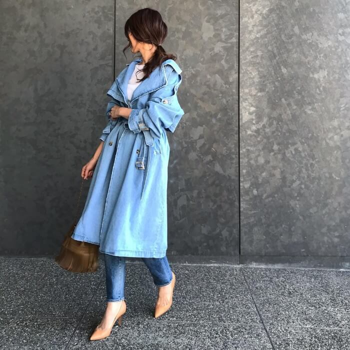 ブルーのワンカラーコーデ画像