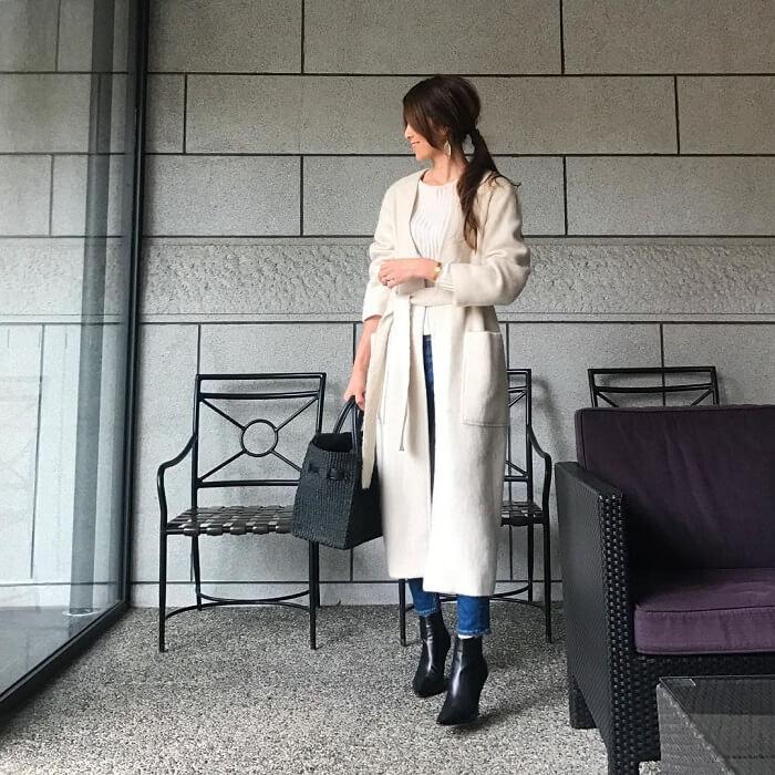 スキニーデニム×ヒールサイドゴアブーツのコーデ写真