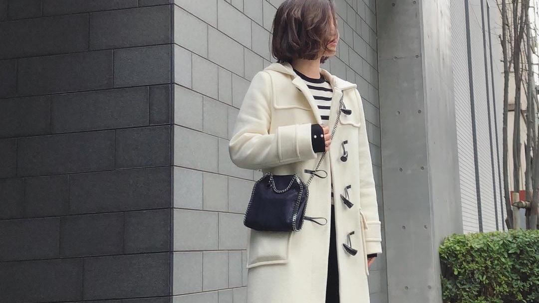 白黒ハッキリがかっこいい!冬の終わりのモノトーンコーデ