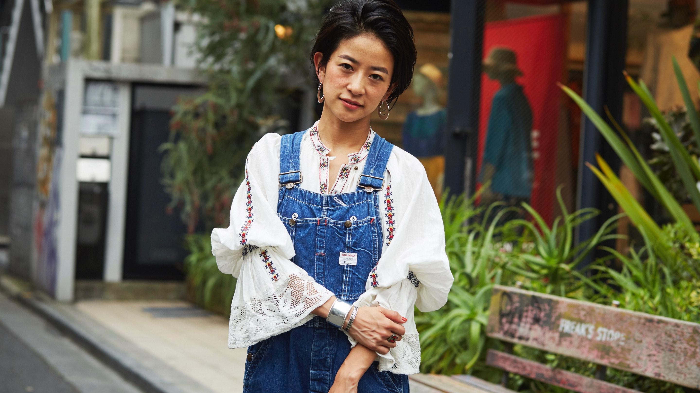 刺繍トップス×オーバーオールのサマースタイル/小笠原希帆さんの7days coordinate #Day2