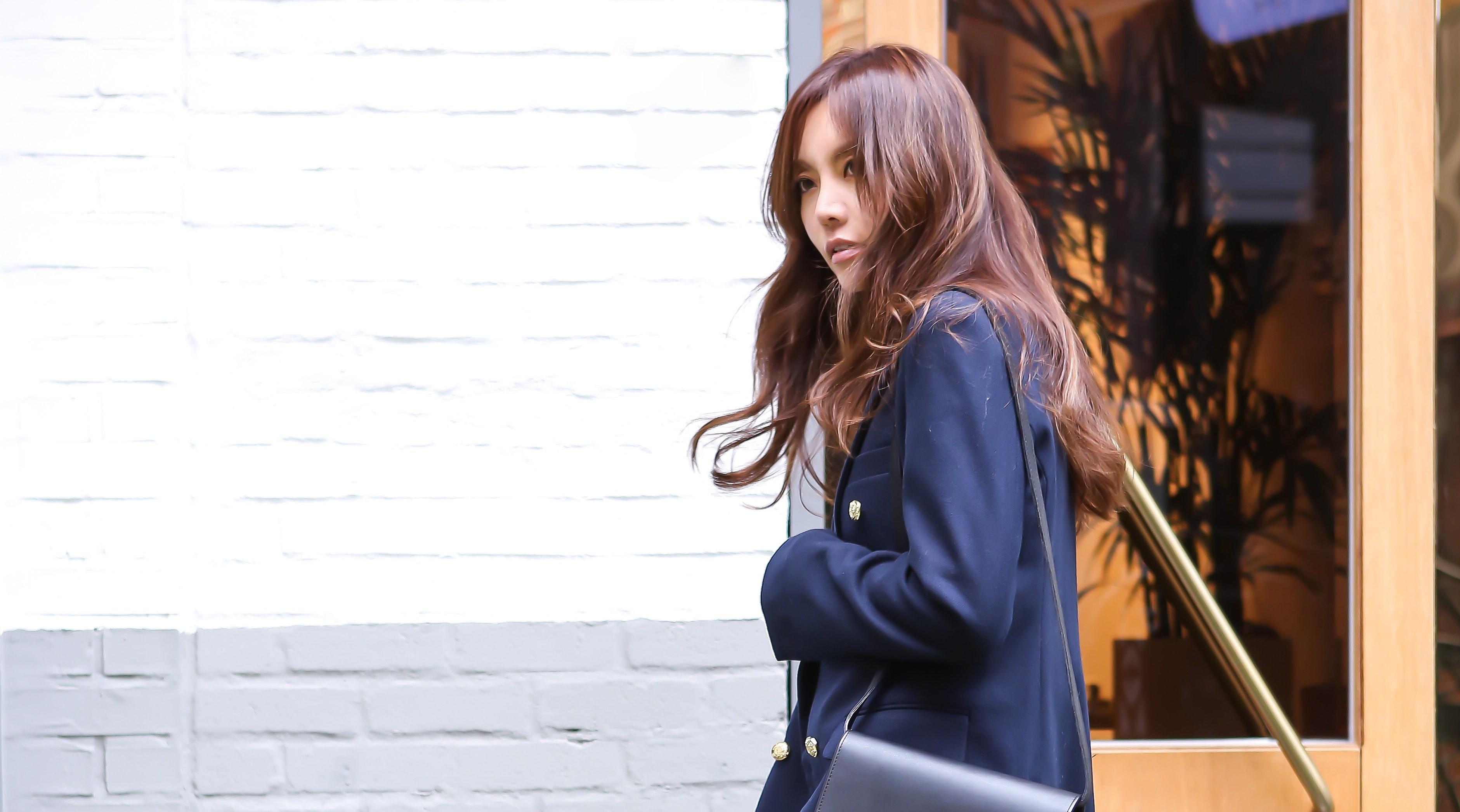紺ブレ主役のトラッドスタイルは、デニムで程良い着崩しを/SOOKさんの7days coordinate #Day3