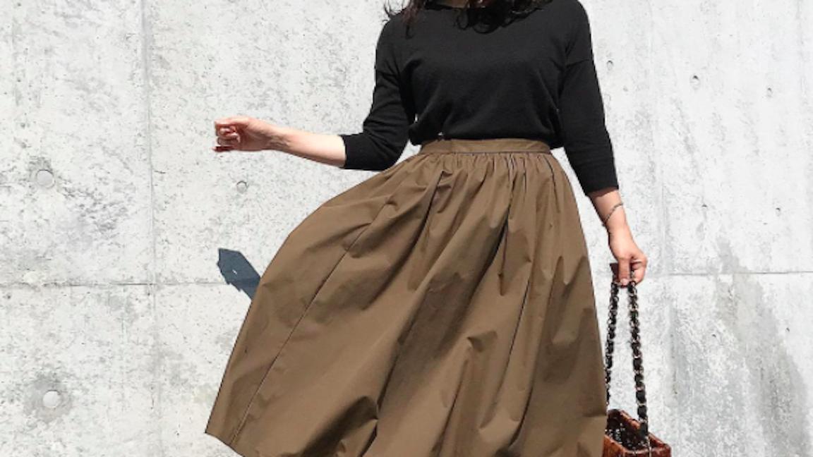 大人ガーリーが止まらない!ギャザースカートのふんわり感を楽しむ秋
